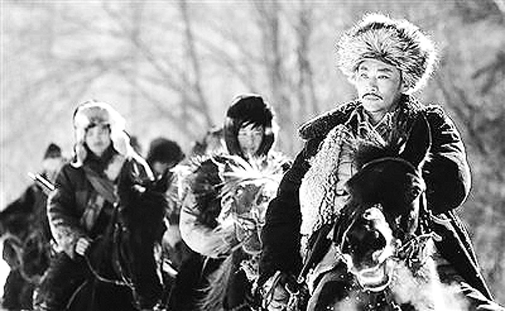 东北当地电影_《东北抗日联军》由黑龙江省委宣传部,八一电影制片厂出品,描写了